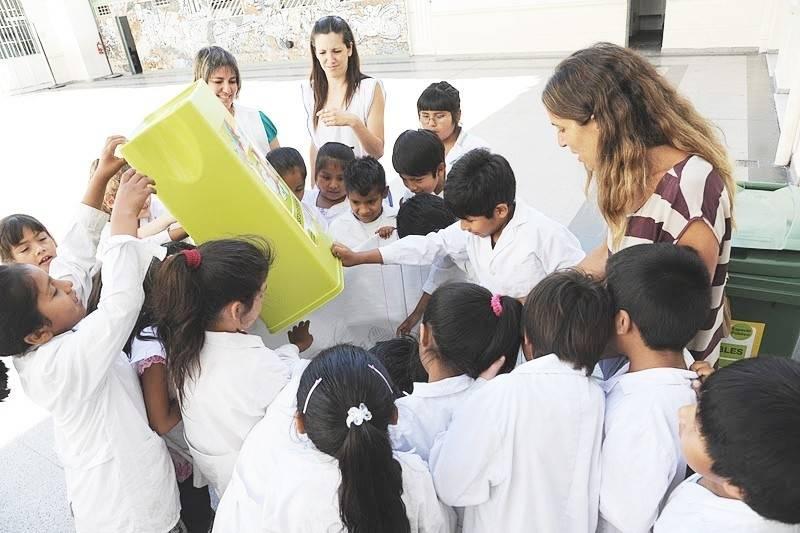 Reciclar: aprenderlo en la escuela y llevarlo al hogar