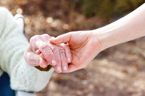 Una mujer de 95 años logró recuperarse de la infección de COVID-19