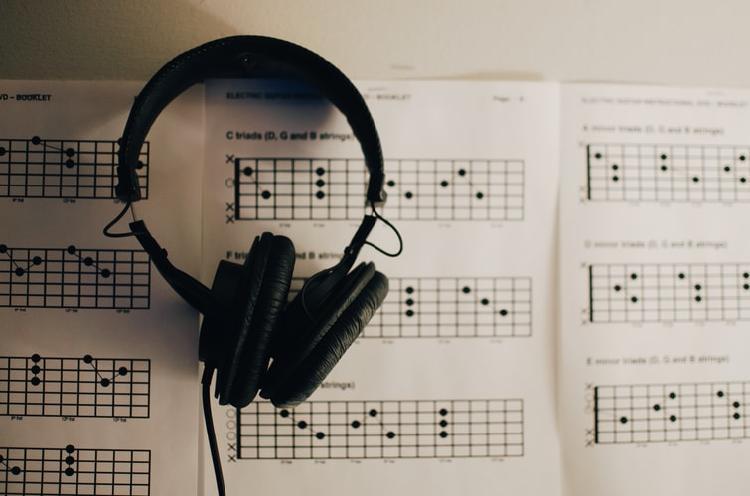 beneficios de la musicoterapia en adultos mayores