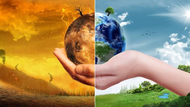 Tierra sana y Tierra afectada por el calentamiento global sostenida por una mano
