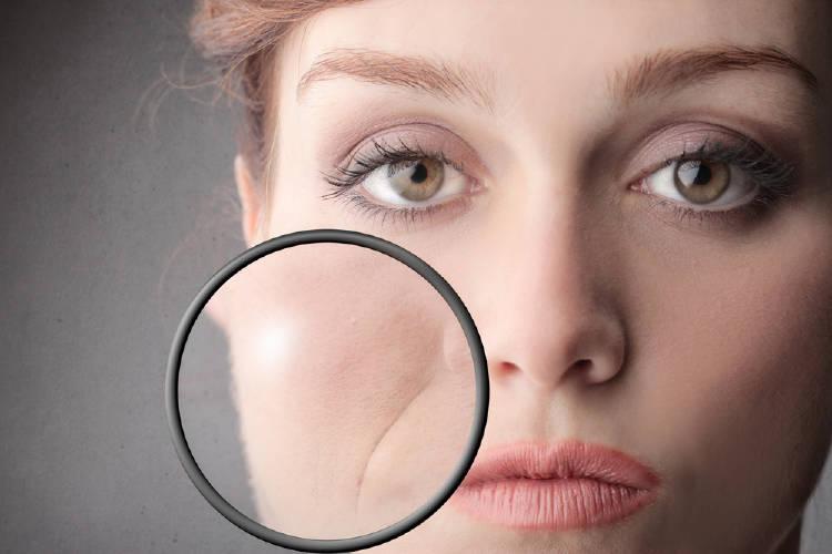 zoom arrugas de boca de mujer