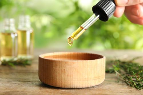 Aceite de árbol de té: un aliado para tu neceser y botiquín