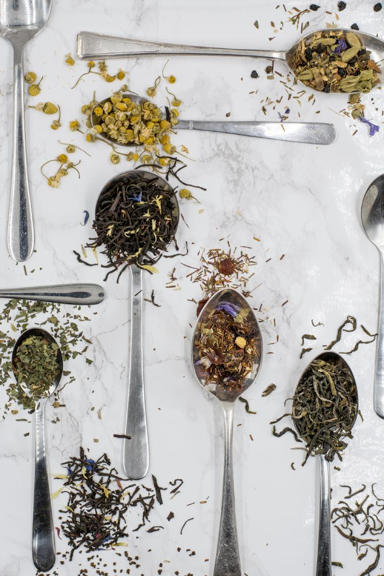 té de ruda y otras plantas medicinales