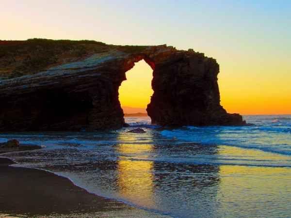 9- En playa de Águas Santas, mar Cantábrico.