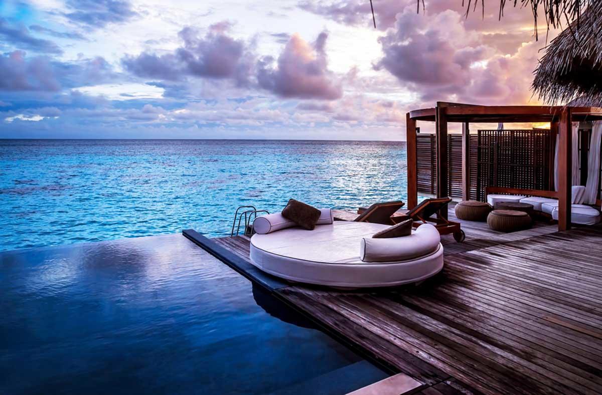 Hotel en Grecia ofrece increíbles bungalows sobre el mar