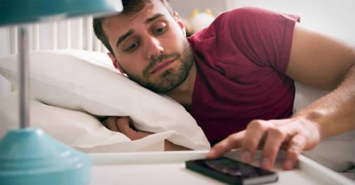 8 cambios muy sencillos para enseñarle a tu cuerpo a despertarte más temprano