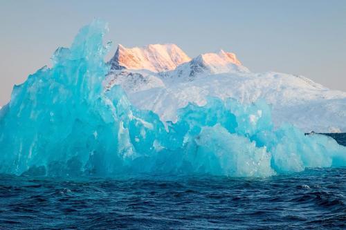 Proponen colocar perlas de vidrio sobre el hielo para salvar al Ártico
