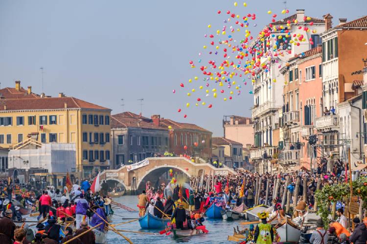 carnaval en venecia trajes tipicos