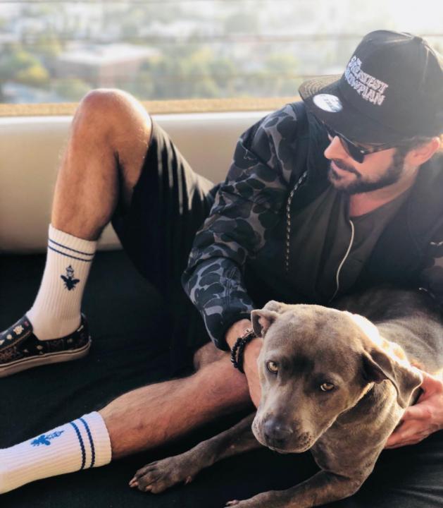 Zac y su nueva mascota Maca
