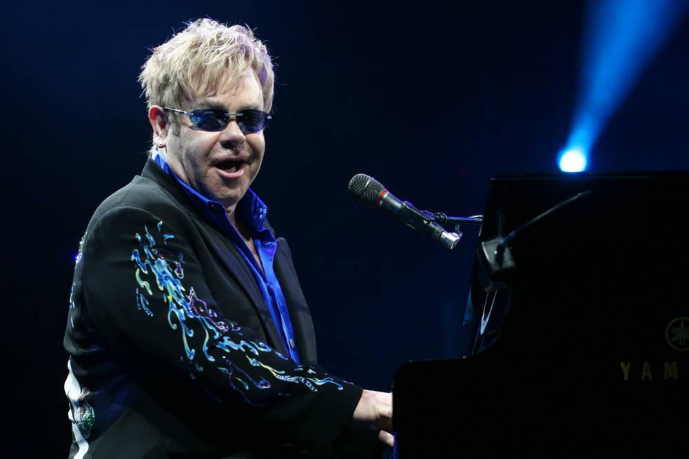 Elton John donó $1 millón para los incendios de Australia