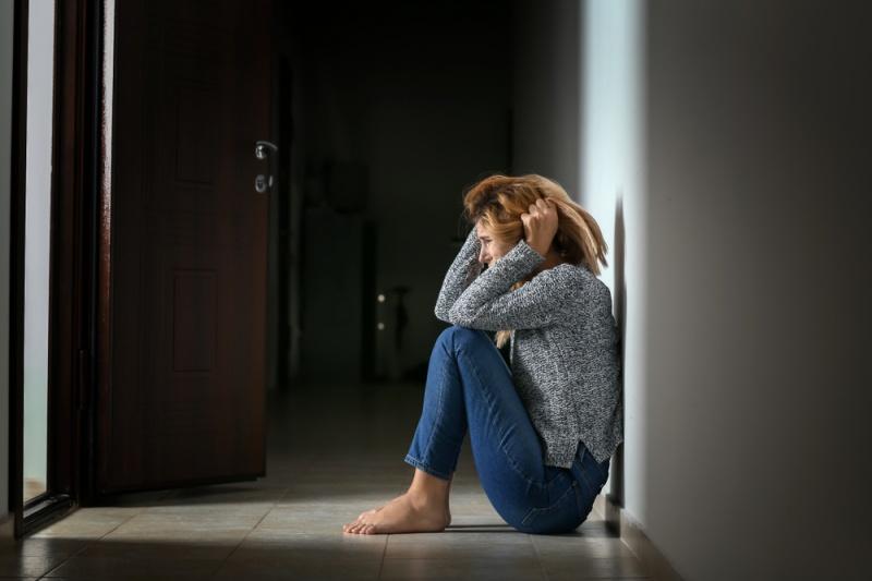 Ataques de pánico: identifica los 12 síntomas físicos iniciales para controlar la crisis