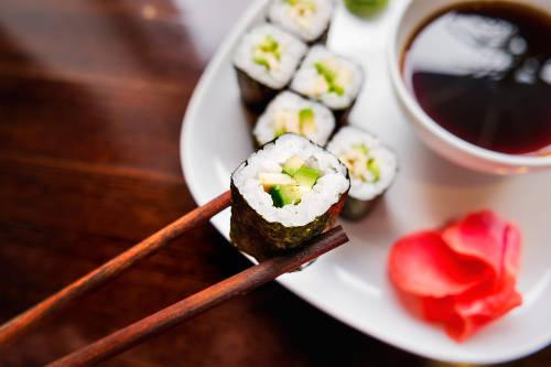 La crisis climática afecta uno de los ingredientes principales del sushi