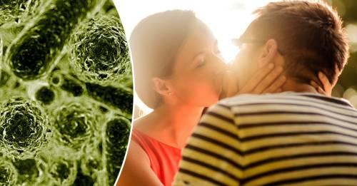 Qué es la enfermedad del beso y cómo saber si tú la tienes