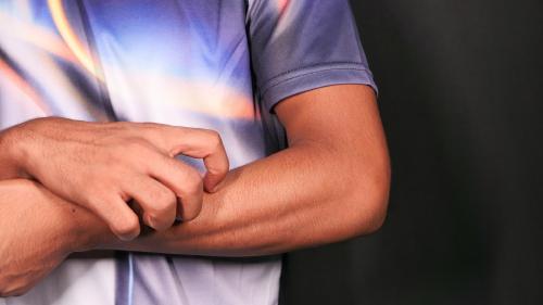 Granitos en los brazos por el gluten: cómo identificarlos