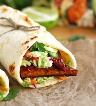 Tacos vegetarianos a base de proteína de soja