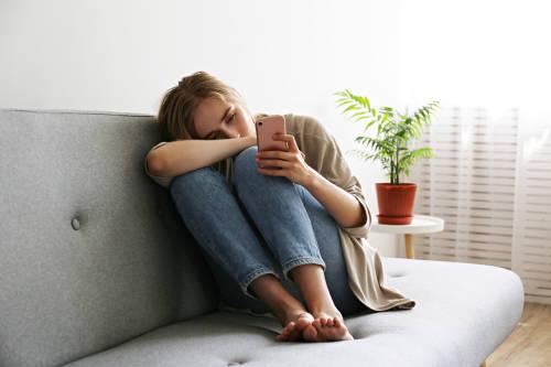 ¿Estamos más solos a pesar de estar más conectados?