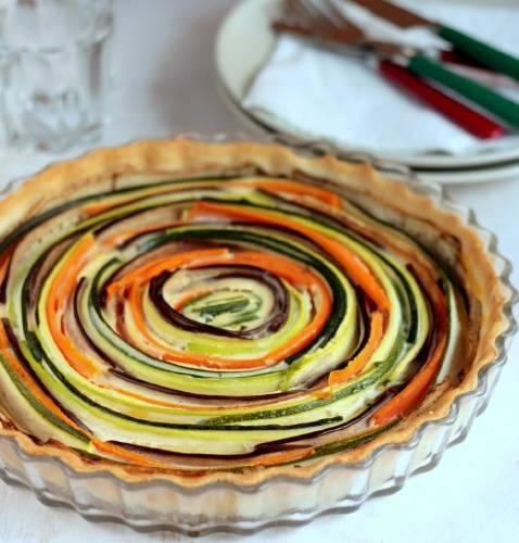 Exquisita tarta multicolor