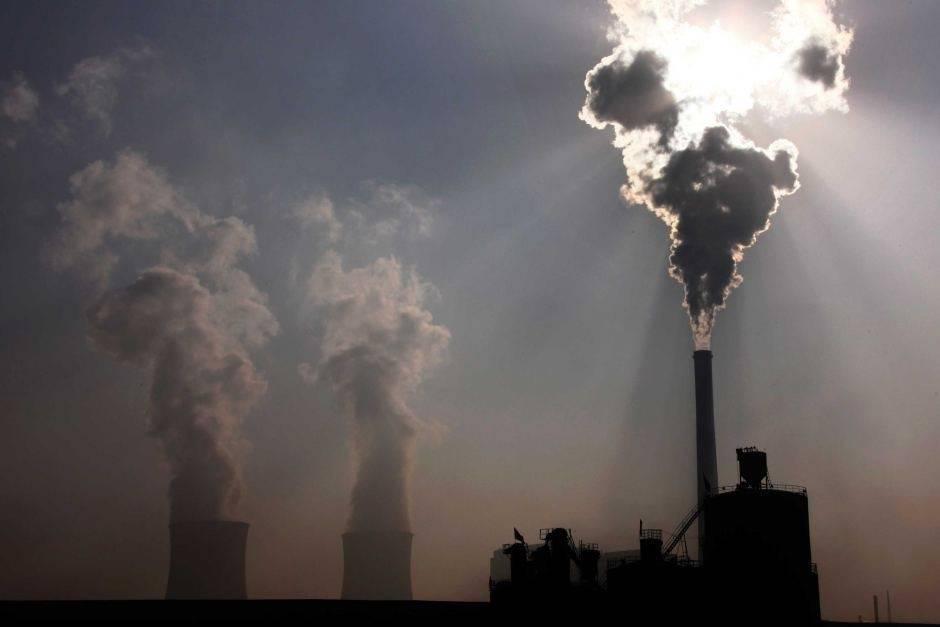Las plantas de energía que usan carbón disminuyeron en el mundo