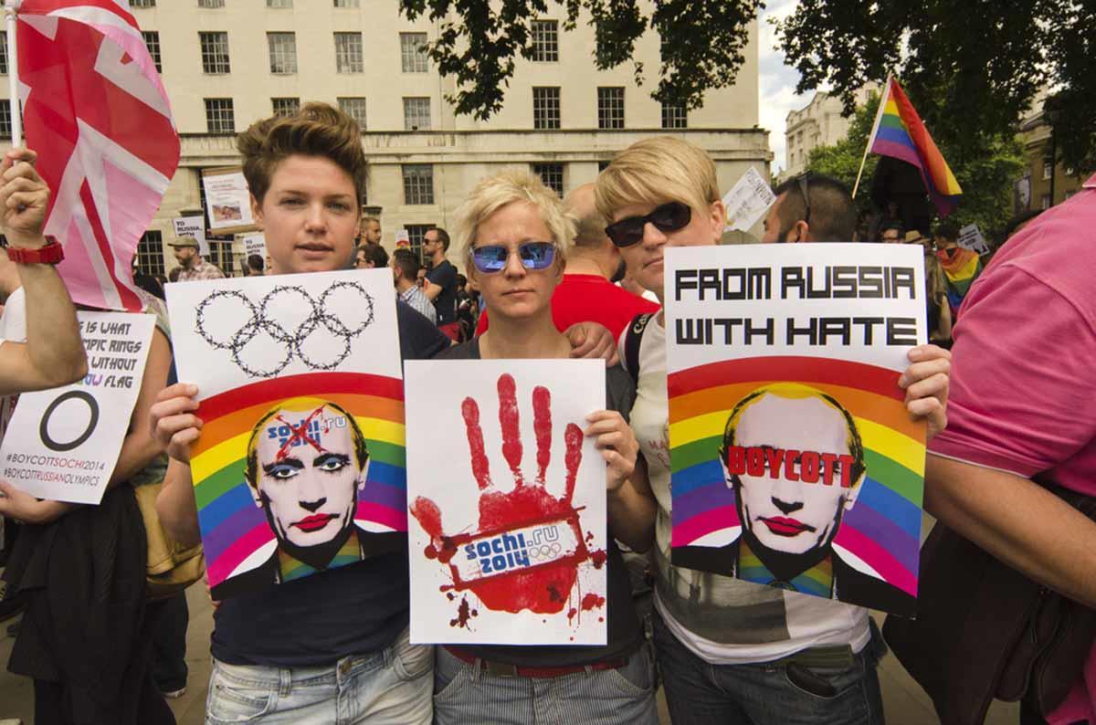 Rusia prohíbe el matrimonio entre personas del mismo sexo y evita que las personas transgénero adopten
