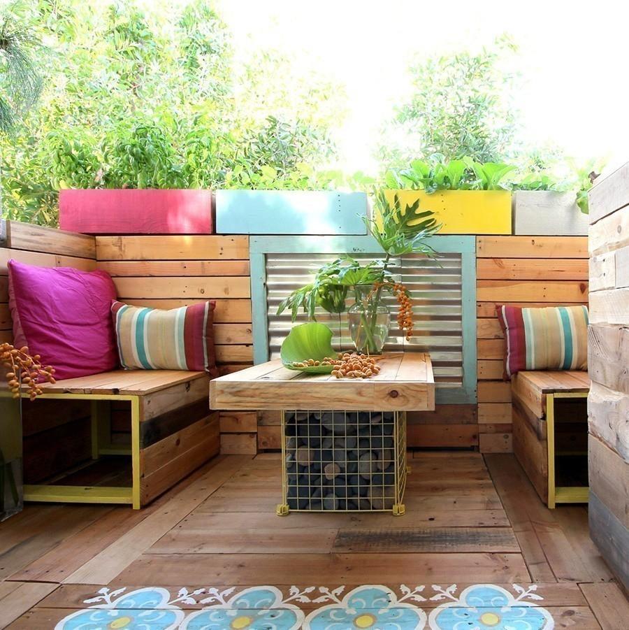 Remodela espacios peque os con este living tropical hecho for Living pequenos espacios