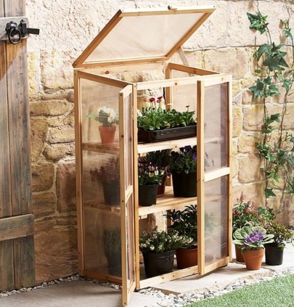 Wood-Mini-Greenhouse