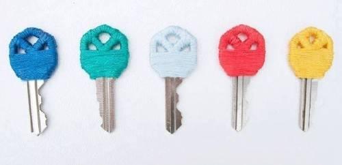 12 ideas para hacer objetos de diseño con hilos de colores