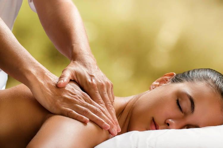 mujer masaje