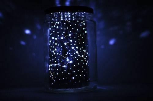 Crea una constelación en tu habitación