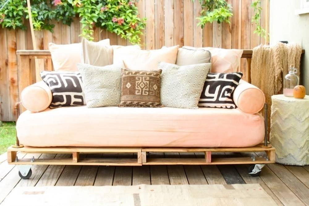 Cómo hacer un sofá cama con pallets paso a paso