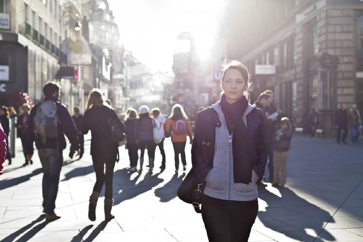 3 maneras en las que vivir en la ciudad afecta la salud mental