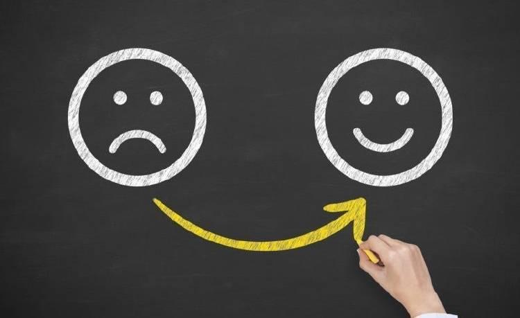 """13 consejos del """"Gurú de la Felicidad"""" que enseñan en Harvard"""
