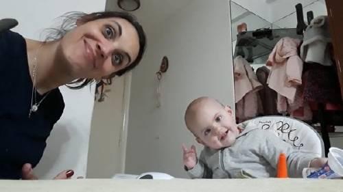 El tierno video viral de la nena argentina que no come la papa