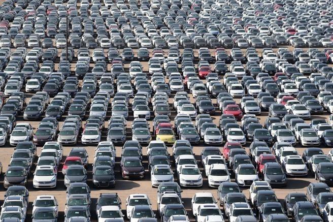 La normativa regirá para automóviles y camionetas modelos de los años 2022-2025