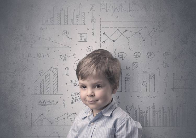 niño genio inteligente matematica