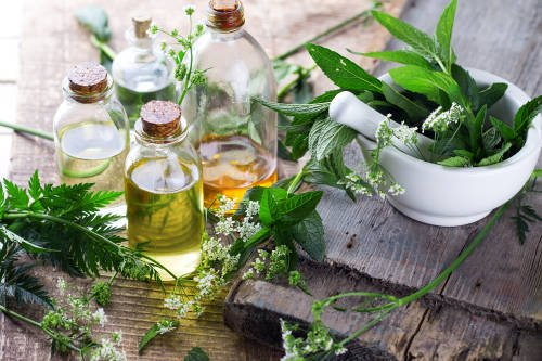 8 formas de disfrutar las propiedades terapéuticas de los aceites esenciales