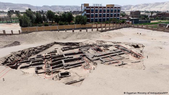 Descubren en Egipto restos de una cervecera de hace 5.100 años