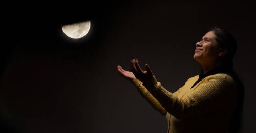 Luna negra: una oportunidad de cambiar las mareas a tu favor