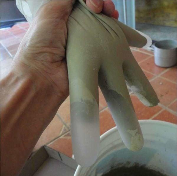 diy-concrete-hand-planters-11