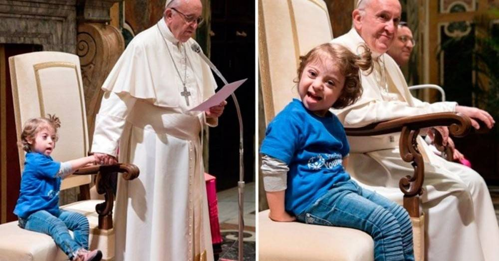 Al Papa se le acercó una niña con Síndrome de Down y esto fue lo que hizo