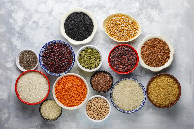 superfoods-seeds-and-grains-for-vegan-and-vegetarian-eating-clean-eating