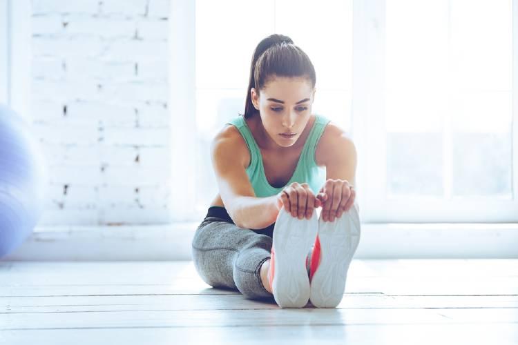 Estiramiento de piernas: un ejercicio recomendado para eliminar las varices