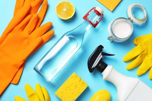 8 ingredientes de cocina que puedes usar para limpiar tu hogar