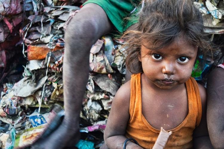 pobreza niña