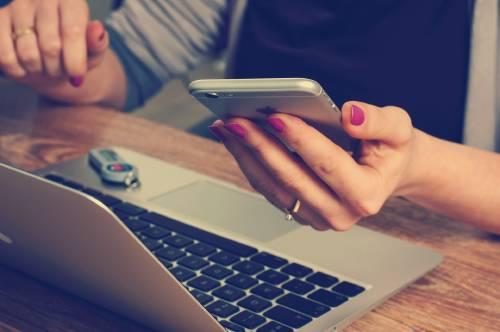Tips para hacer una limpieza digital en tu celular y computadora