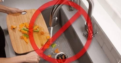 10 cosas que jamás debes tirar por el drenaje