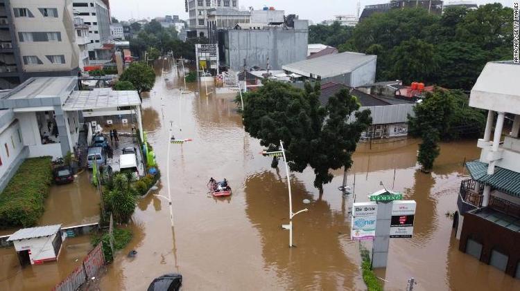 Inundacion en Jakarta debido al aumento del nivel del mar