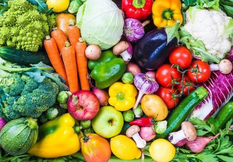 Cuáles son las propiedades de las frutas y vegetales según su color
