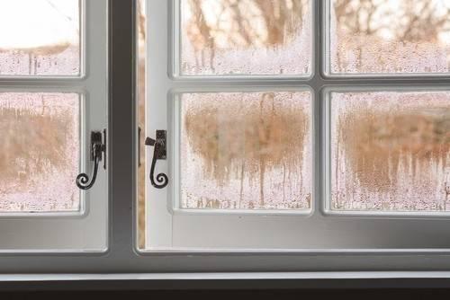 Por qué y cómo deberías aislar, sellar e impermeabilizar las ventanas de tu..