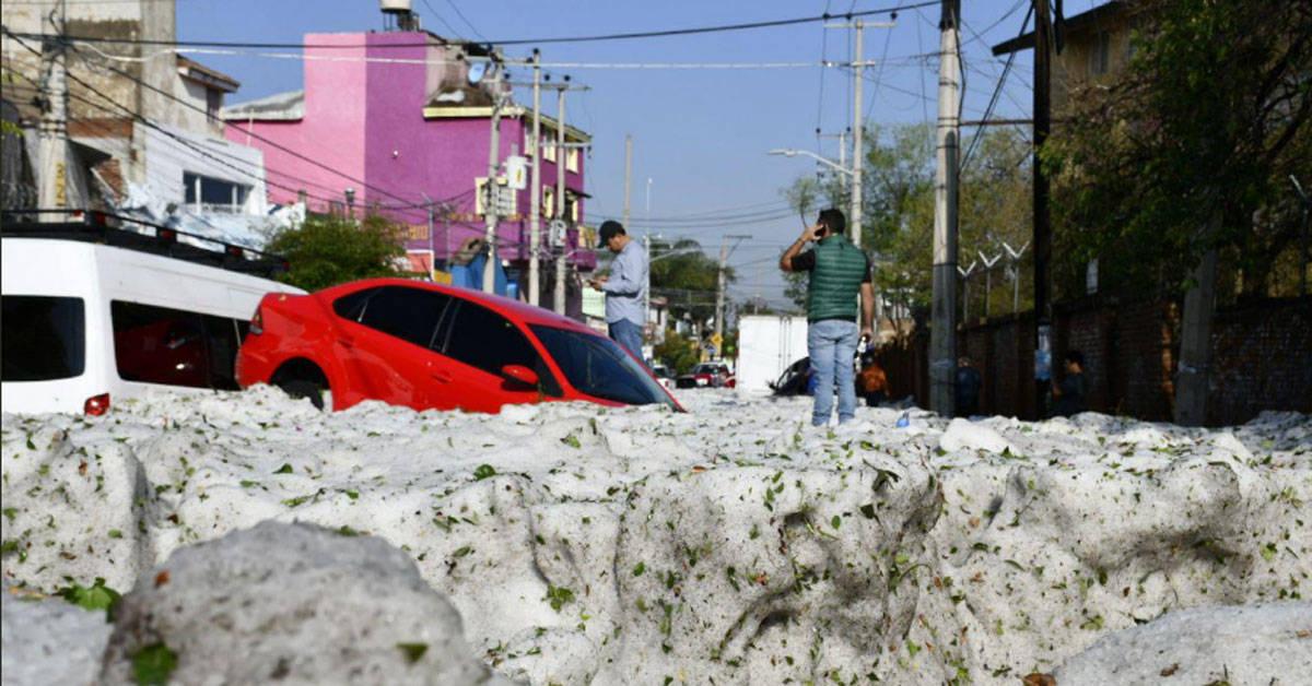 Qué hay detrás de la granizada en pleno verano que cubrió Guadalajara