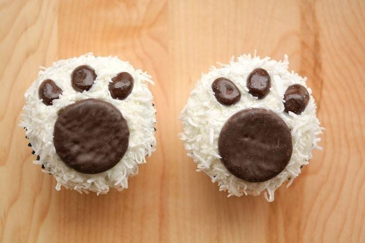 Cupcakes con forma de pisadas polares